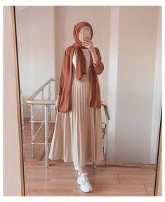 Hijab Fashion Summer, Modest Fashion Hijab, Modern Hijab Fashion, Street Hijab Fashion, Modesty Fashion, Casual Hijab Outfit, Hijab Fashion Inspiration, Muslim Fashion, Mode Inspiration