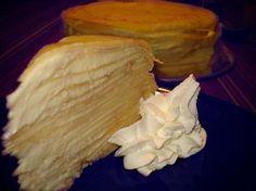 Cambia el rutinario pastel y prepara una tarta de crepes rellena de queso mascarpone. Sumamente deliciosa y muy fácil de hacer. ¿Cómo? Sigue esta receta.