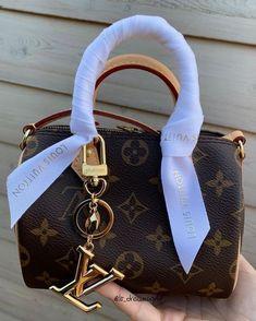 Fashion Handbags, Purses And Handbags, Fashion Bags, Replica Handbags, Fashion Fashion, Luxury Purses, Luxury Bags, Vuitton Bag, Luis Vuitton Backpack