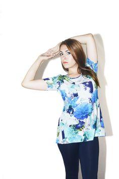 #DIESSE #SpringSummer2016 #shirt Long blouse, round neck, short sleevs, flower print #model #ConcitaCometa #photographer #MariannaDepasquale #designer #DiegoSalerno  http://www.diessefashion.it/