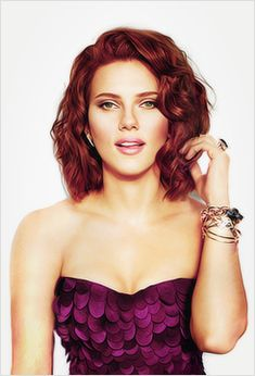 Scarlett Johansson (Black Widow) love her hair! Scarlett Johansson Hairstyle, A Line Haircut, Black Widow Scarlett, Beautiful Celebrities, Hair Inspiration, Curly Hair Styles, Hair Makeup, Hair Cuts, Hair Beauty
