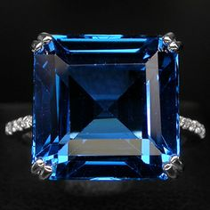 14ct Blue Topaz + White Sapphire Ring - Size 6.75