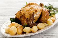 Pollo intero arrosto con patatine novelle alle erbe aromatiche utili consigli per un piatto delizioso per adulti e piccini