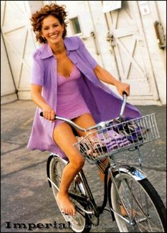 Julia Roberts Nude, Fappening, Sexy Photos, Uncensored - Page 2 Julia Roberts, Jules Supervielle, Pin Up, Cycling Girls, Cycling Rules, Cycle Chic, Actrices Hollywood, Bicycle Girl, Fotografia