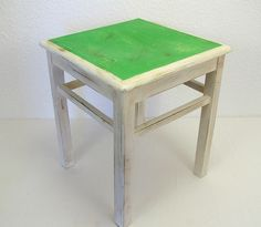 Hocker shabby chic weiss vintage Chalk Paint Farbe von Schlüter Kunst und Design - Stühle, Kommoden, Regale, Modeschmuck auf DaWanda.com
