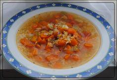 Tag 19 des Vegan Month of Food.     Klassisches Gesundungssüppchen heute.   Oder Krautsuppe, die wohl jeder von diversen Abnehmversuchen ke... Vegan, Cheeseburger Chowder, Soup, Losing Weight, Health, Soups, Vegans, Chowder