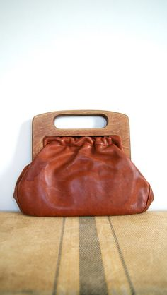 Vintage Handbag 60s Leather / Wood Handle