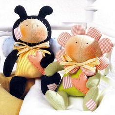 Tilda dolls...bee & flower with patterns as http://odensa-sama.ru/wp-content/uploads/tilda_bee.jpg