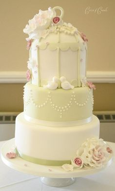 This is like a fairytale cake :) @Stephanie Dueber, this is your wedding cake!