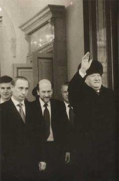 "Boris Yeltsin left the Kremlin, December 31, 1999. Photo taken a few seconds before the short instruction to Vladimir Putin: ""Take care of Russia."""