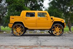 Hummer on Forgiato Wheels - Big Rims - Custom Wheels Hummer H2, Hummer Cars, Hummer Truck, 22 Inch Rims, John Deere Toys, Dodge Charger Hellcat, Rims For Cars, Yellow Car, Luxury Cars