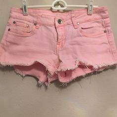 Adorable Peach Denim Cutoffs Love these peach cutoff shorts!! Super cute with a little stretch. Size 8 youth, but fit like a size 2 in non-youth. 98% cotton, 2% spandex. refuge Shorts