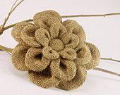 Flower Crafting Burlap, hemp, jute - all great materials for flower making Burlap Lace, Burlap Flowers, Burlap Bows, Felt Flowers, Diy Flowers, Burlap Wreath, Fabric Flowers, Paper Flowers, Hessian
