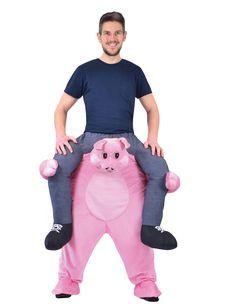 Abito Carry Me Maiale: Abito carry Me maialino composto da un pantalone sulla quale é cucito un simpaticissimo maialino rosa.La maglietta non é inclusa.Una simpatica testa di maialino imbottita troneggia sul...