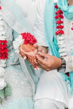 Cute Couple Poses, Cute Love Couple, Muslim Couple Photography, Bridal Photography, Indian Wedding Couple, Wedding Couples, Islamic Girl Images, Dps For Girls, Girl Hand Pic
