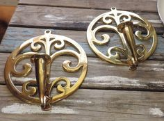 "2 Vintage Polished Brass Virginia Metal Crafters 8 3/4"" Wall Scones 16-1"