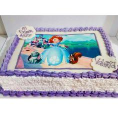Hermosa torta de la Princesa Sofia con picos de chantillí y diseño impreso en papel de arroz comestible! Visítanos en la Carrera 11 No. 138 - 18 #Cedritos - #Tortas #Ponques #Postres #Cumpleaños #HappyBirthday #BirthdayCakes #Bogotá www.SoSweet.com.co