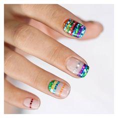 블링블링✨빨주노초파남보🌈 시원해보이는 공간프렌치로 샤샤샥💅🏻 #유니스텔라 #unistella #목요일네일 #thu_nail #글리터네일 #무지개네일 #glitternails #rainbownails #unisedit_Hong