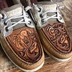 In LOVE with these tooled Sperrys!