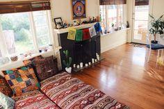 Space & colour - Jade Higgins's home (theadventuresofjade on IG)