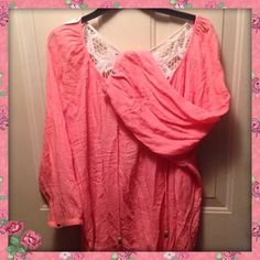 Crinkle Blouse Crinkle material very pretty has crochet type back almost new no flaws Maurices Tops Blouses