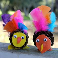 Thanksgiving Crafts for the kids - No tutorial, pinned for inspiration! Make turkeys out of pine cones