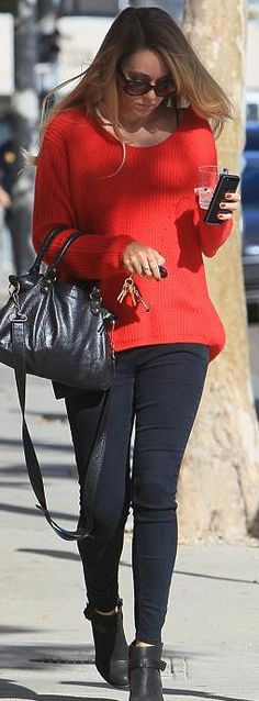 Who made  Lauren Conrad's black handbag, sunglasses, and ankle boots?