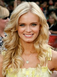 Friends, today I am going to share some cute Prom hairstyles for long hair. These are very easy to create but you need to be a bit creative. Prom Hairstyles For Long Hair, Hairstyles Haircuts, Down Hairstyles, Pretty Hairstyles, Wedding Hairstyles, Blonde Hairstyles, Beautiful Haircuts, Frontal Hairstyles, Popular Hairstyles