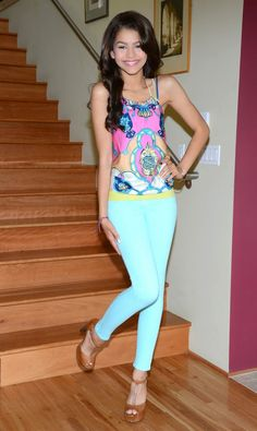 Zendaya Coleman - Photoshoot Candids in LA on the Stairs