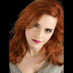 Emma Watson: She is gorgeous as a redhead. Style Emma Watson, Emma Watson Belle, Emma Watson Beautiful, Emma Watson Sexiest, Jane Watson, Beautiful Eyes, Beautiful Women, Redhead Hairstyles, 4b Hair