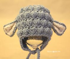 Crochet Lamb Hat #Unisex #BabyPattern from Repeat Crafter Me blog.