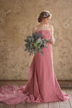 トリートの山城葉子が奏でるドレスブランド「Leaf for Brides」 Hijab Wedding Dresses, Wedding Dress With Veil, Dressy Dresses, Colored Wedding Dresses, Wedding Dress Styles, Wedding Attire, Bridal Gowns, Strapless Dress Formal, Nice Dresses