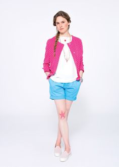 For a less bon-ton and girlish look, pair a classic-cut fleece jacket  with a bright blue pair of shorts and a white viscose shirt. SUN68 Woman SS15 #SUN68 #SS15 #woman #shorts #jacket