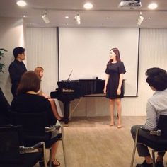 Korean Tenor Na Seung seo, 나승서 teaching a Master Class in Vocal Music. He's standing, on the left.