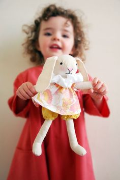 FREE sewing pattern and tutorial for this cute Spring Bunny