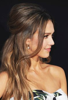 """Jessica Alba arrives at the Premiere of Summit Entertainment's """"Mechanic: Resurrection"""" at ArcLight Hollywood on August 22, 2016"""