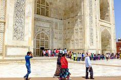 fila de entrada para o mausoléu do Taj Mahal