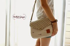 Small Village Envelope Sling Bag //小乡村信封斜挎包 Dimension: 25 x 20 x 9 cm PU Leather Sling Strap Magnet Button As Closure 2 O...