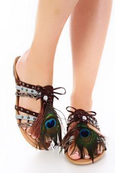 I saw similar ones at rue 21 that I fully intend on purchasing!!