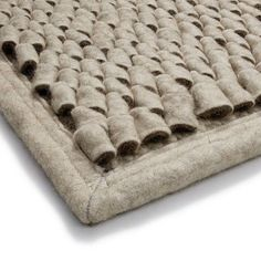 The modular carpet system makes it possible to change, extend or re-design individual creations at any time. Natural Colors, Hand Weaving, Carpet, Change, Wool, Rugs, Design, Farmhouse Rugs, Hand Knitting