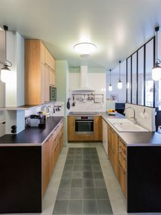 & & & & A kitchen in the colors vgtales Small Apartment Living, Small Apartments, Home Room Design, House Rooms, Modern Decor, Home Kitchens, Kitchen Decor, Sweet Home, Kitchen Cabinets