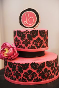 What a lovely Pink and Black Damask wedding cake  via Fancy Cakes by Leslie