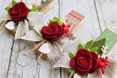 scrapbooking idea for altered clothespin ♥ Christmas Crafts, Christmas Decorations, Xmas, Christmas Ornaments, Felt Crafts, Diy And Crafts, Paper Crafts, Felt Flowers, Fabric Flowers