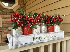 Are you looking for ideas for farmhouse christmas tree? Check this out for very best farmhouse christmas tree images. This cool farmhouse christmas tree ideas seems to be entirely superb. Centerpiece Christmas, Christmas Mason Jars, Silver Christmas, Mason Jar Diy, Outdoor Christmas, Rustic Christmas, Xmas Decorations, Christmas Porch, Christmas Holidays