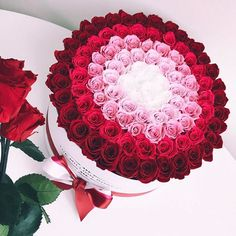 "Best Of worldwide Social Media channels Look for the ""shop it\"" tags if you want to buy the flower box on the picture Beautiful Rose Flowers, Beautiful Flower Arrangements, Floral Arrangements, Flower Box Gift, Flower Boxes, The Million Roses, Bouquet Box, Luxury Flowers, Ikebana"