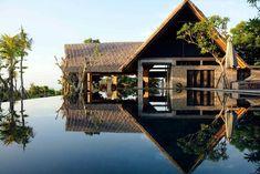 Sonne, lange Strände, Kokosnüsse und Palmen, Tempel und Surfen - all das ist Bali. Die passenden Airbnb Unterkünfte findet Ihr hier.