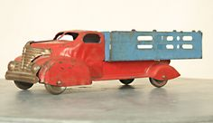 1930s Toy Truck !  --- Download the FLEATIQUE App on the App Store   --- Vintage toy toys antiques antique pickers American old collectible truck