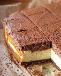 Waniliowy sernik z musem czekoladowym - Justyna Dragan Tasty, Yummy Food, Polish Recipes, Trifle, No Bake Cake, Baking Recipes, Bakery, Deserts, Food And Drink