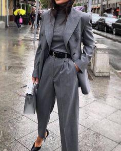 Blazer / Street Style / Fashion Week - Edeline Ca. - Oversized blazer / street style / fashion week – -Oversized Blazer / Street Style / Fashion Week - Edeline Ca. Blazer Fashion, Suit Fashion, Fashion Week, Work Fashion, Fashion Outfits, Style Fashion, Fashion Trends, Fashion Ideas, French Fashion