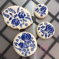 Cookie Icing, Royal Icing Cookies, Cupcake Cookies, Sugar Cookies, Hungarian Cookies, Sweets Art, Iced Biscuits, Sugar Icing, Tree Cookies